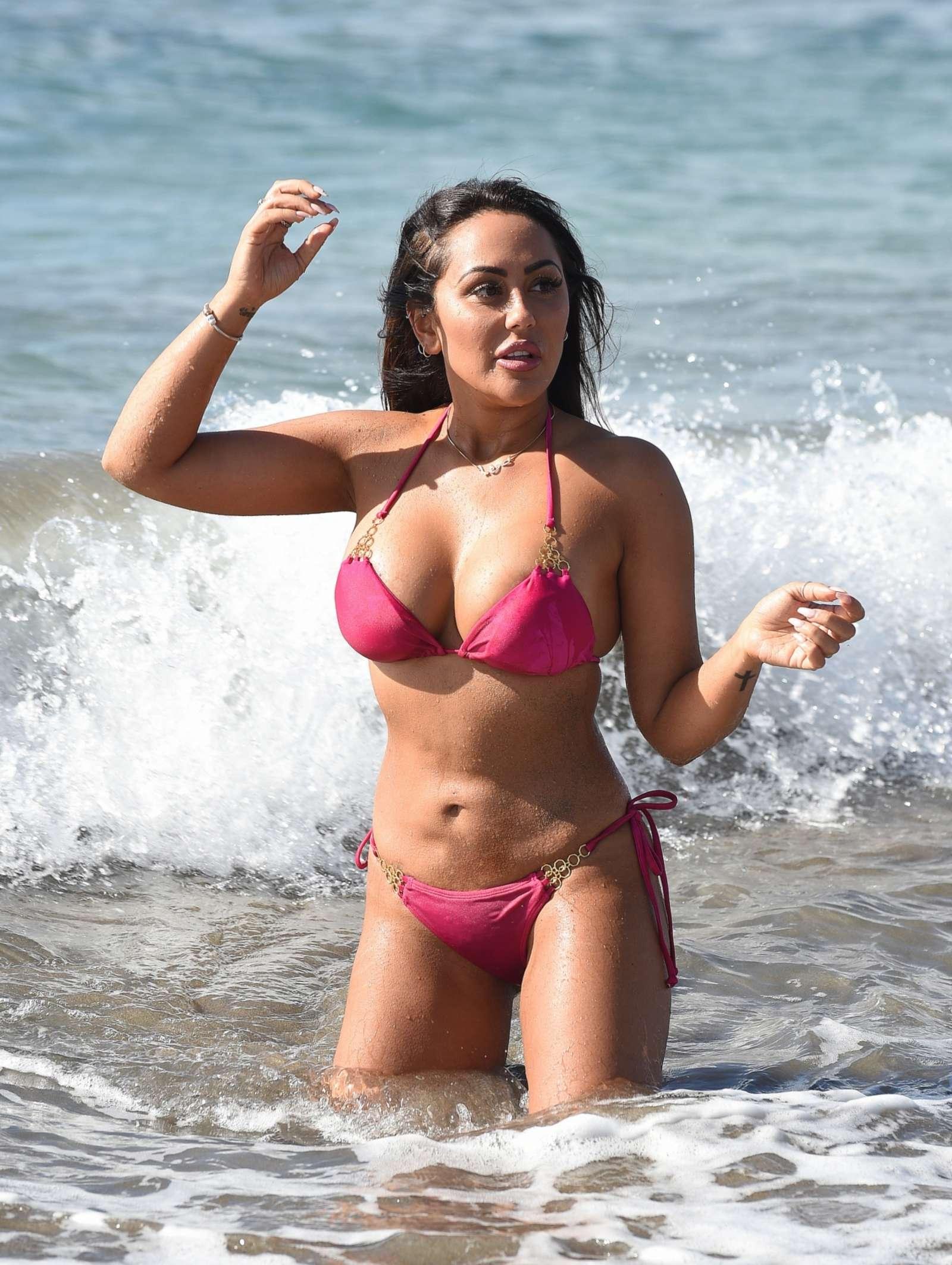 Gwen Stefani in Bikini Top in Playa del Carmen Pic 14 of 35