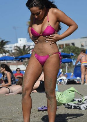 Sophie Kasaei in Pink Bikini on the beach in Lanzarote Pic 2 of 35