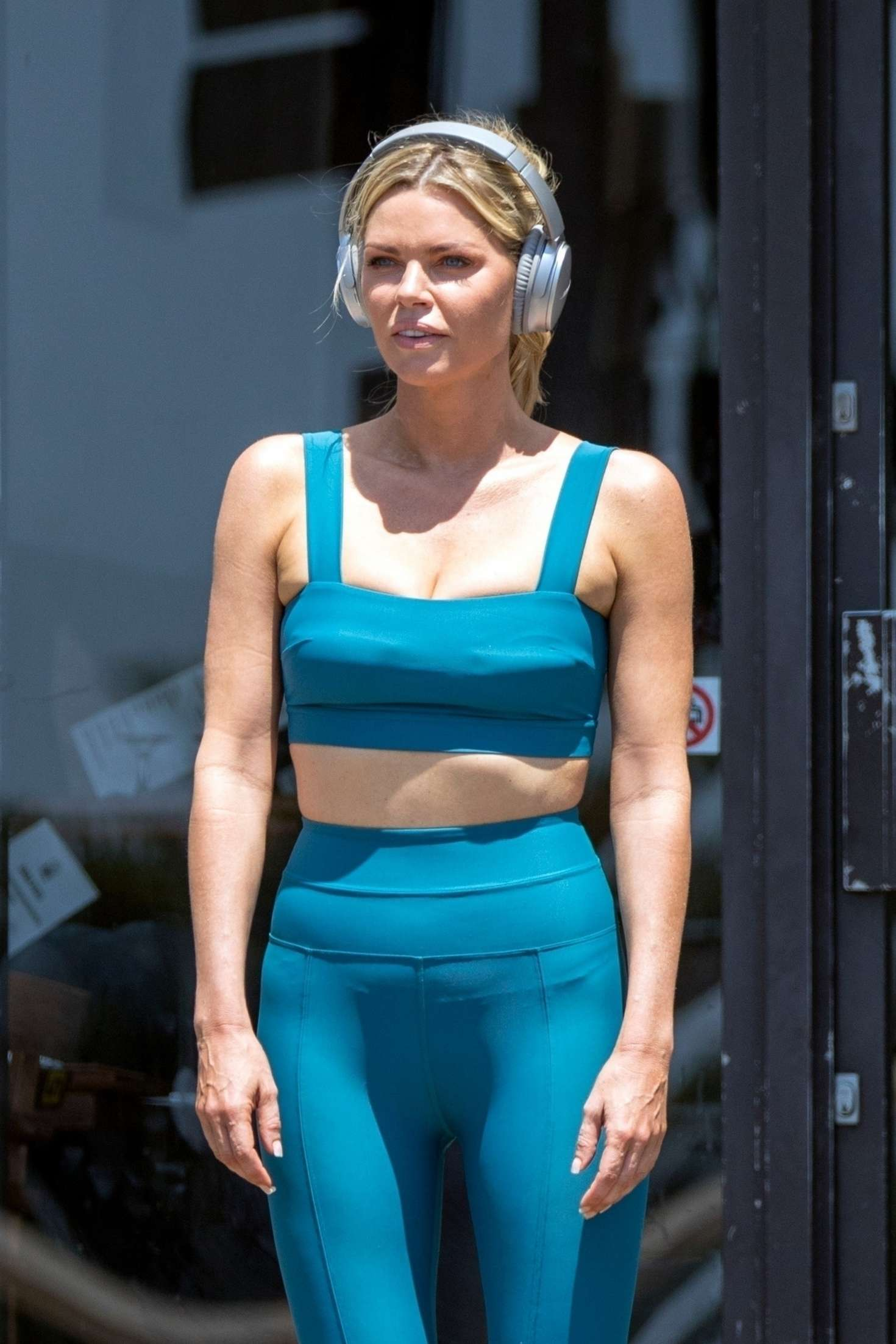 Sophie Monk in Crop Top and Leggins - Jogging in Sydney