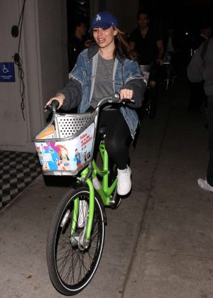 Sophie Simmons - Riding her bike in West Hollywood