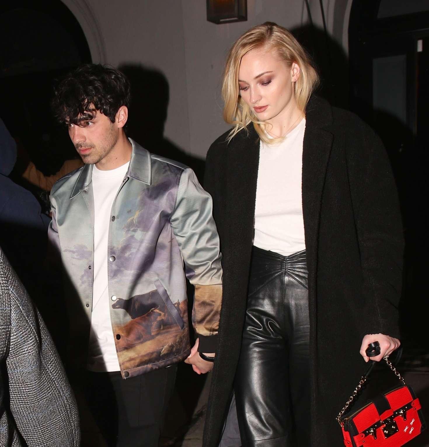 Sophie Turner 2019 : Sophie Turner and Joe Jonas: Exit Craigs in West Hollywood -02