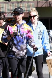 Sophie Turner and Joe Jonas - Grab a meal at Sweet Butter in Studio City