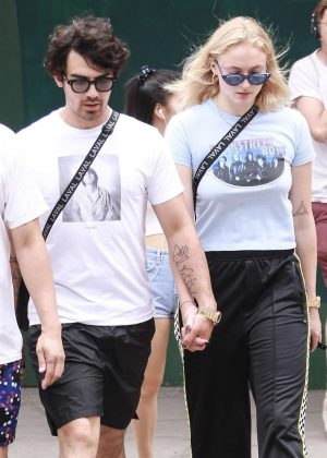 Sophie Turner and Joe Jonas - Head to Sant Ambroeus for lunch in New York City