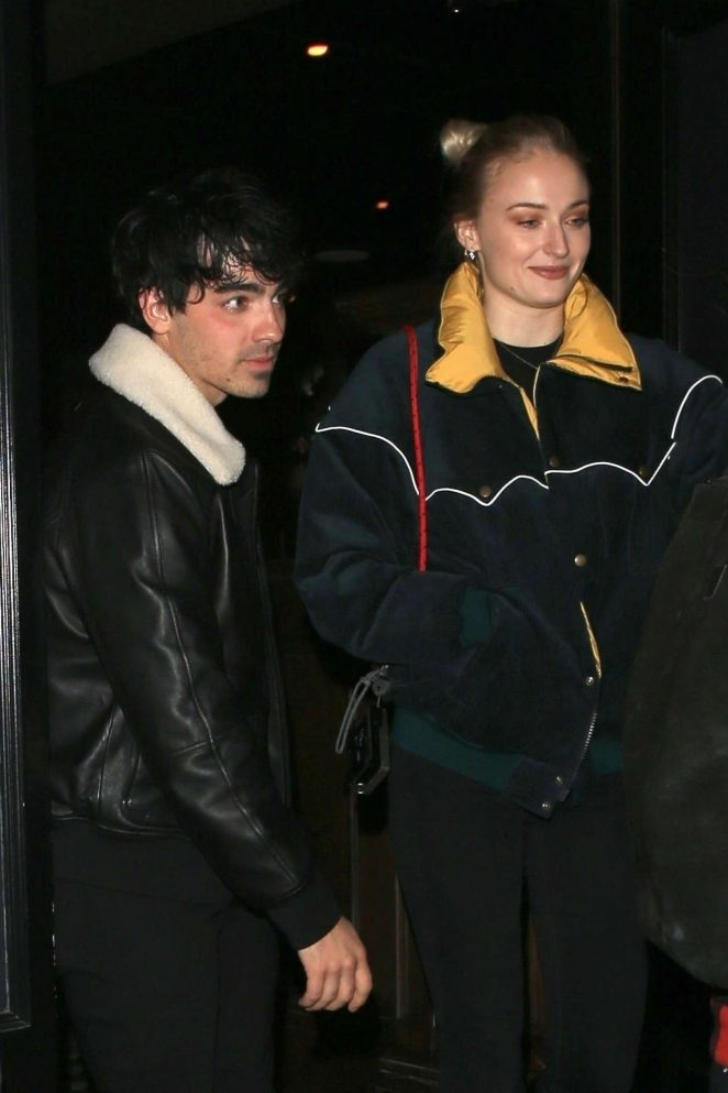 Sophie Turner and Joe Jonas – Heads at Craig's in West Hollywood