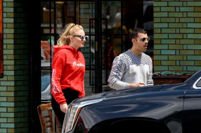 Sophie Turner and Joe Jonas Leaves a restaurant -01