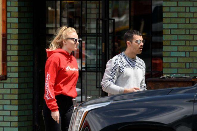 Sophie Turner and Joe Jonas Leaves a restaurant -02