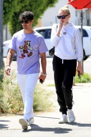 Sophie Turner and Joe Jonas - Out for a coffee in West Hollywood
