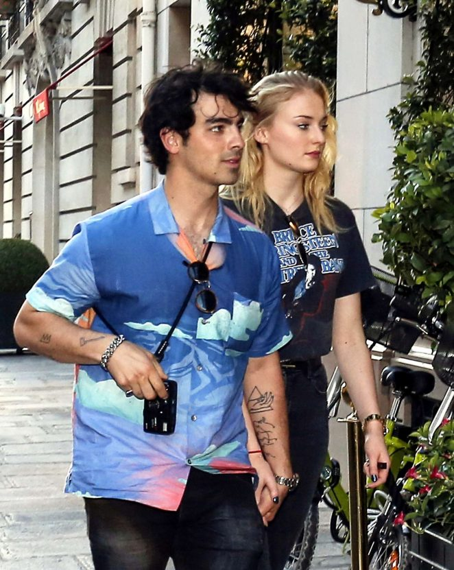 Sophie Turner and Joe Jonas - Out for lunch in Paris