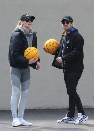 Sophie Turner and Joe Jonas - Playing basketball in New York