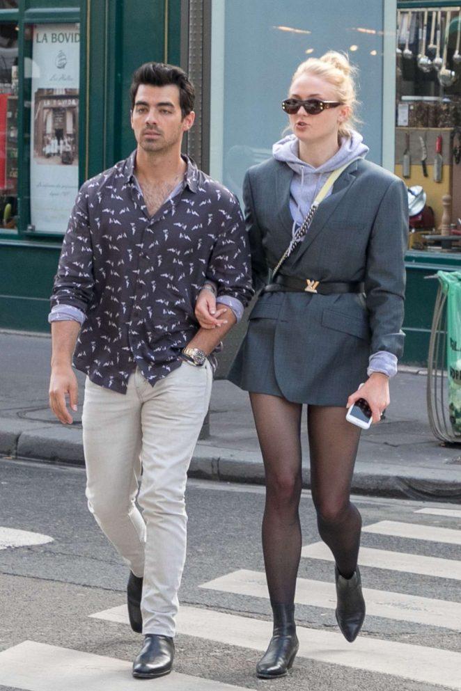 Sophie Turner and Joe Jonas Shopping in Paris