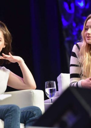 Sophie Turner and Maisie Williams - 'Game of Thrones ...