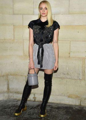 Sophie Turner - Louis Vuitton Fashion Show in Paris
