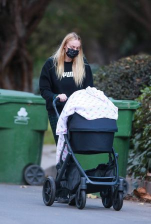 Sophie Turner - out with her baby girl Willa near her Los Angeles home