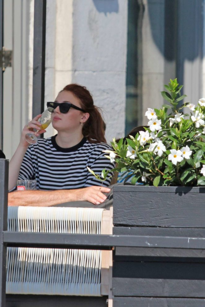 Sophie Turner: Out with her parents in Montreal-08