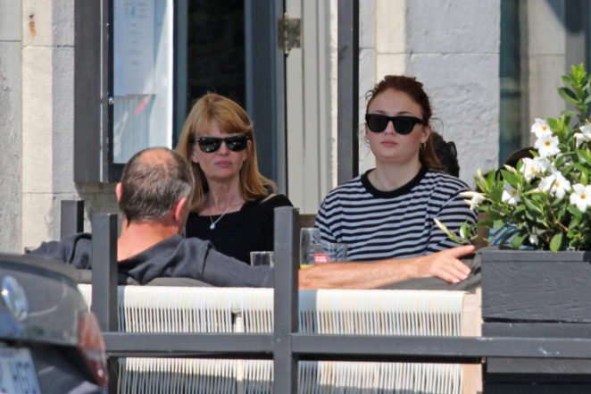 Sophie Turner: Out with her parents in Montreal-09