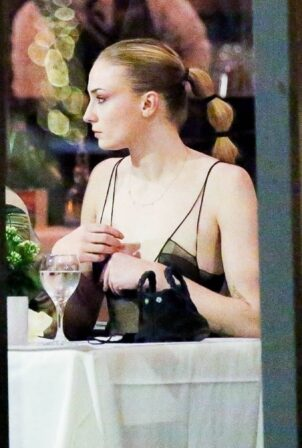 Sophie Turner - Seen at Il Pastaio in Beverly Hills