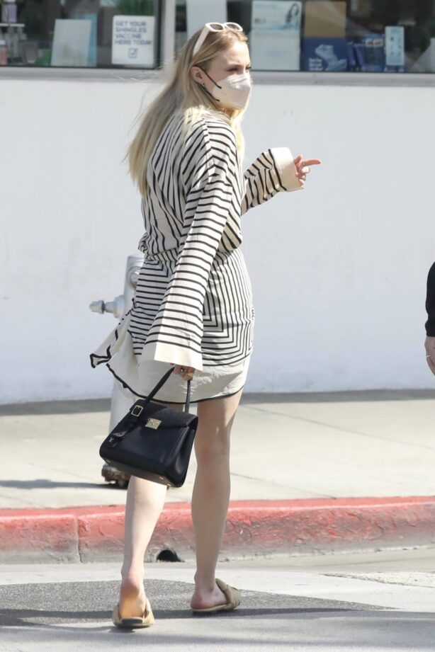 Sophie Turner - Shopping candids in Beverly Hills