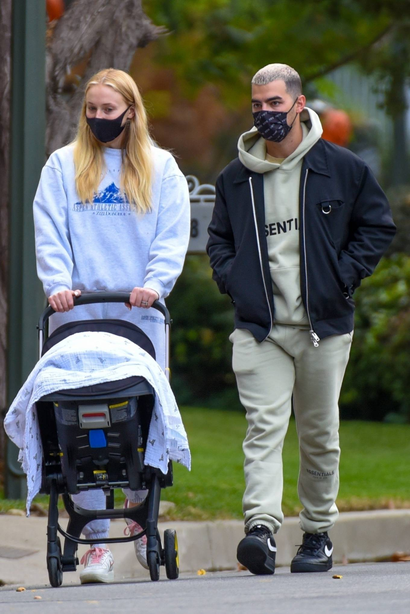 Sophie Turner - Take their baby daughter Willa out in Los Angelesr