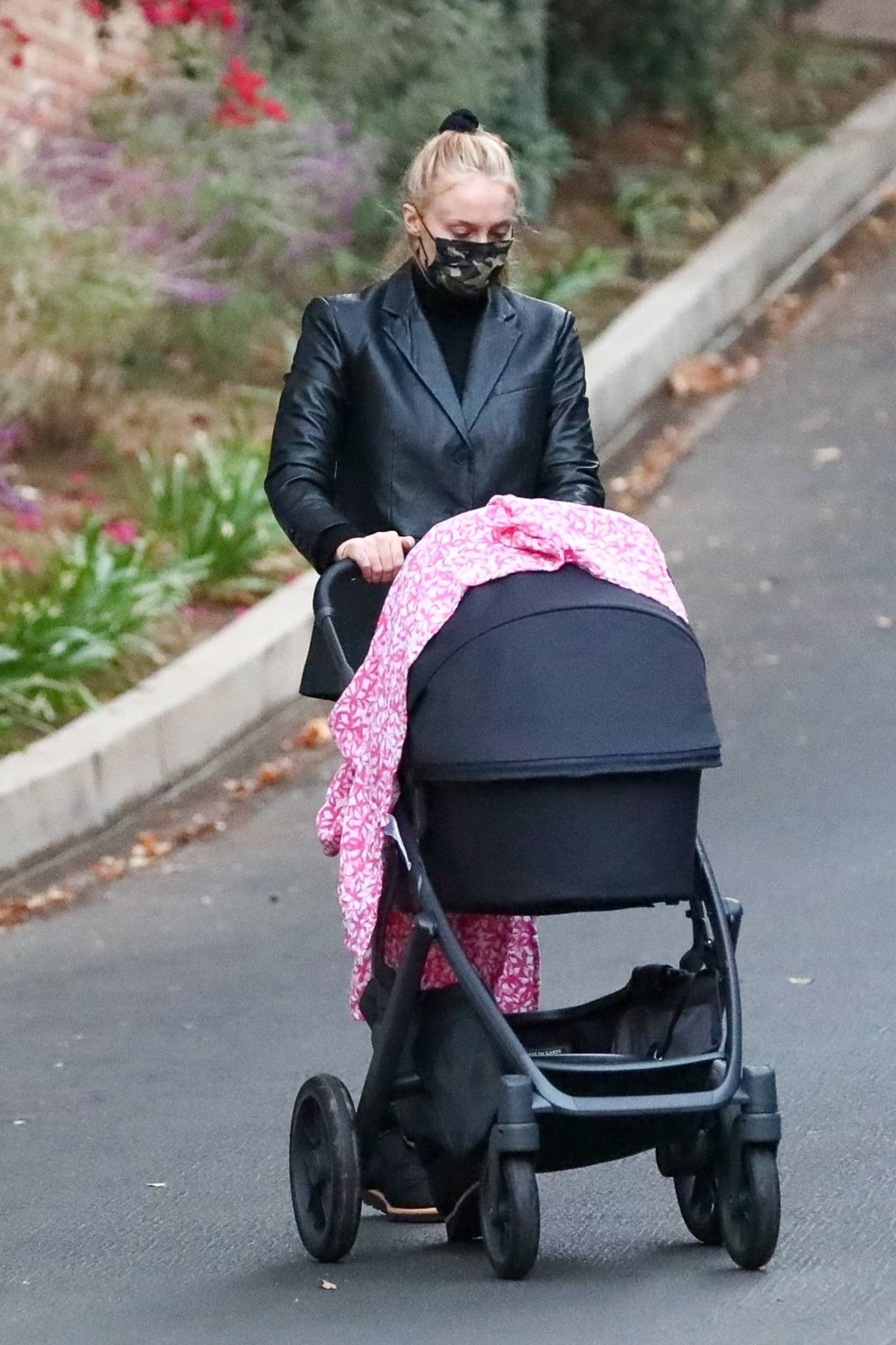Sophie Turner - Takes her daughter out in Los Angeles