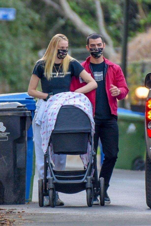 Sophie Turner - Walk with her daughter Willa around her neighborhood in Los Angeles