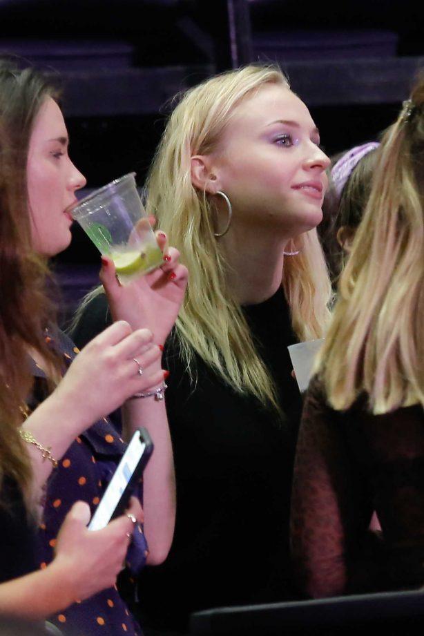 Sophie Turner - Watching the Jonas Brothers Concert in Paris