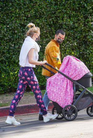 Sophie Turner - With Joe Jonas and daughter Willa out in Los Angeles