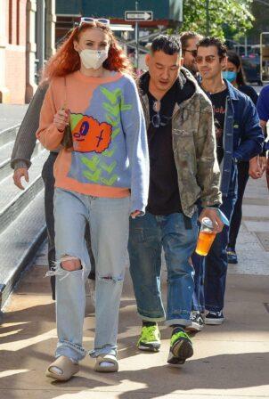Sophie Turner - With Nick Jonas and Joe Jonas on a stroll in NYC
