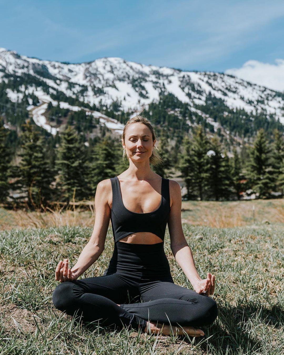 Stacy Keibler 2019 : Stacy Keibler – Social Media Thread-11