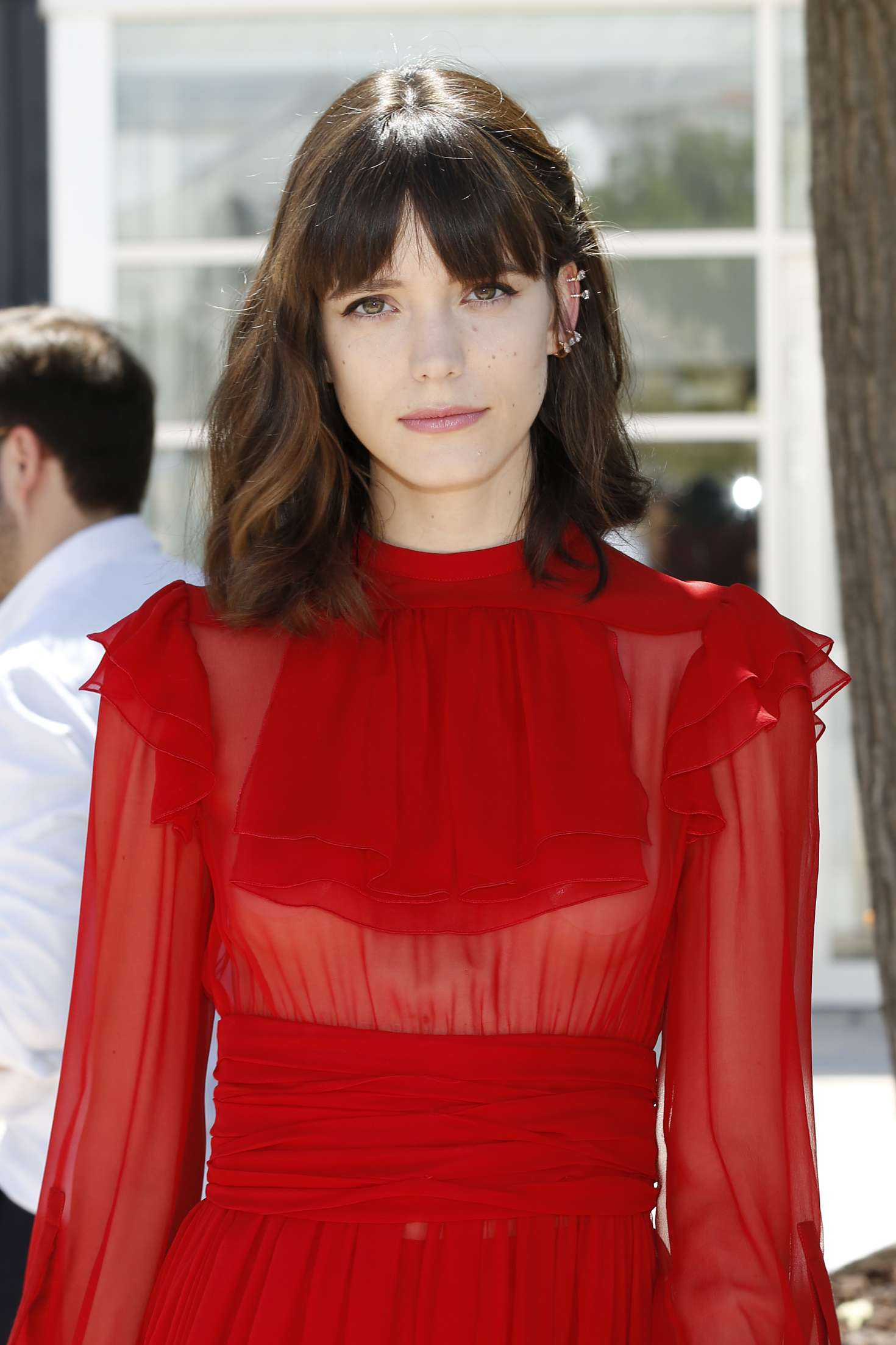 Stacy martin redoutable photocall at 70th cannes film for Table 22 cannes