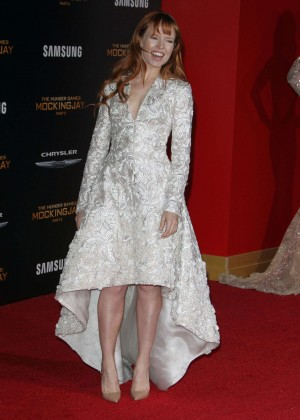 Stef Dawson: The Hunger Games Mockingjay Part 2 LA Premiere -05