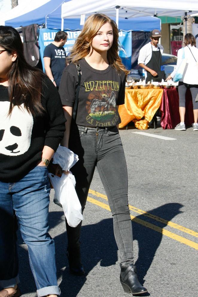 Stefanie Scott in Jeans at Farmers Market in Studio City