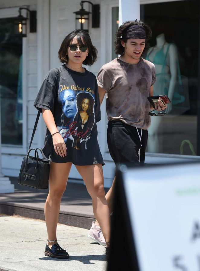 Dylan Efron and Stella Hudgens spotted together. Click to ...   Dylan Efron And Stella Hudgens