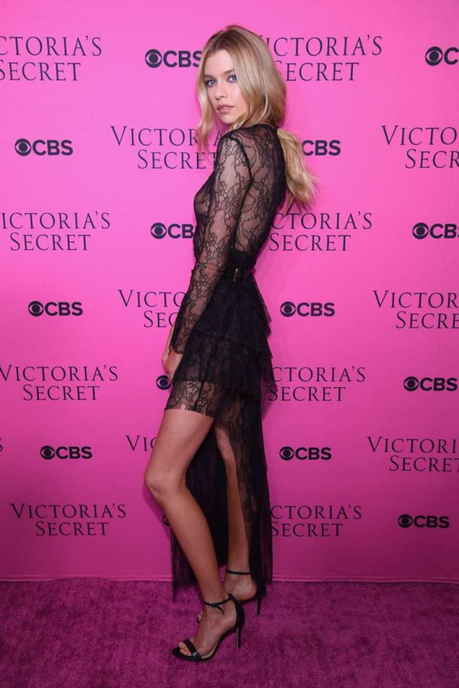 Stella Maxwell - 2017 Victoria's Secret Viewing Party in New York City