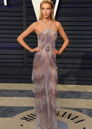 Stella Maxwell - 2019 Vanity Fair Oscar Party in Beverly Hills