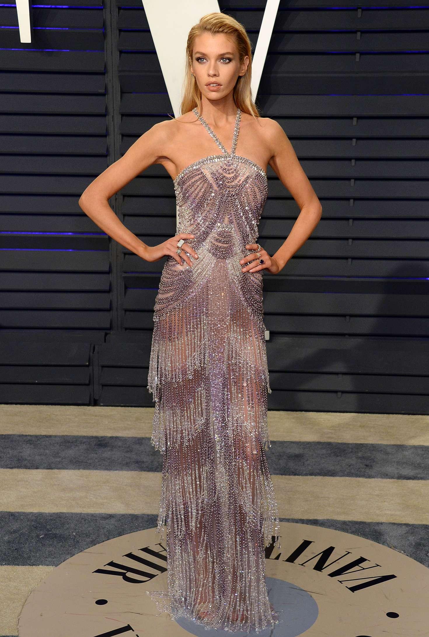 Stella Maxwell - 2019 Vanity Fair Oscar Party in Beverly Hills