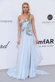 Stella Maxwell - amfAR's 2019 Cinema Against AIDS Gala in Cannes