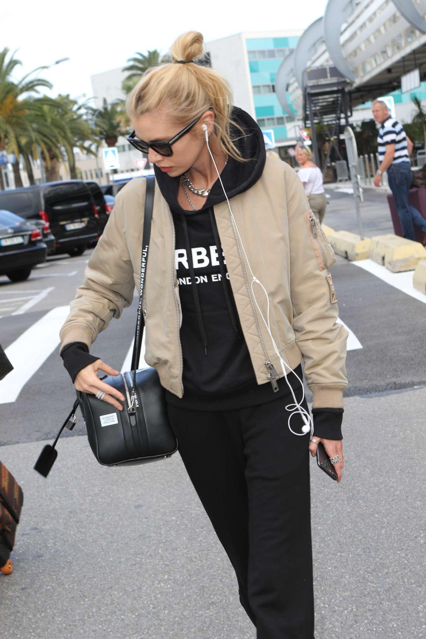 Stella Maxwell 2019 : Stella Maxwell: Arrives at Nice Airport-04