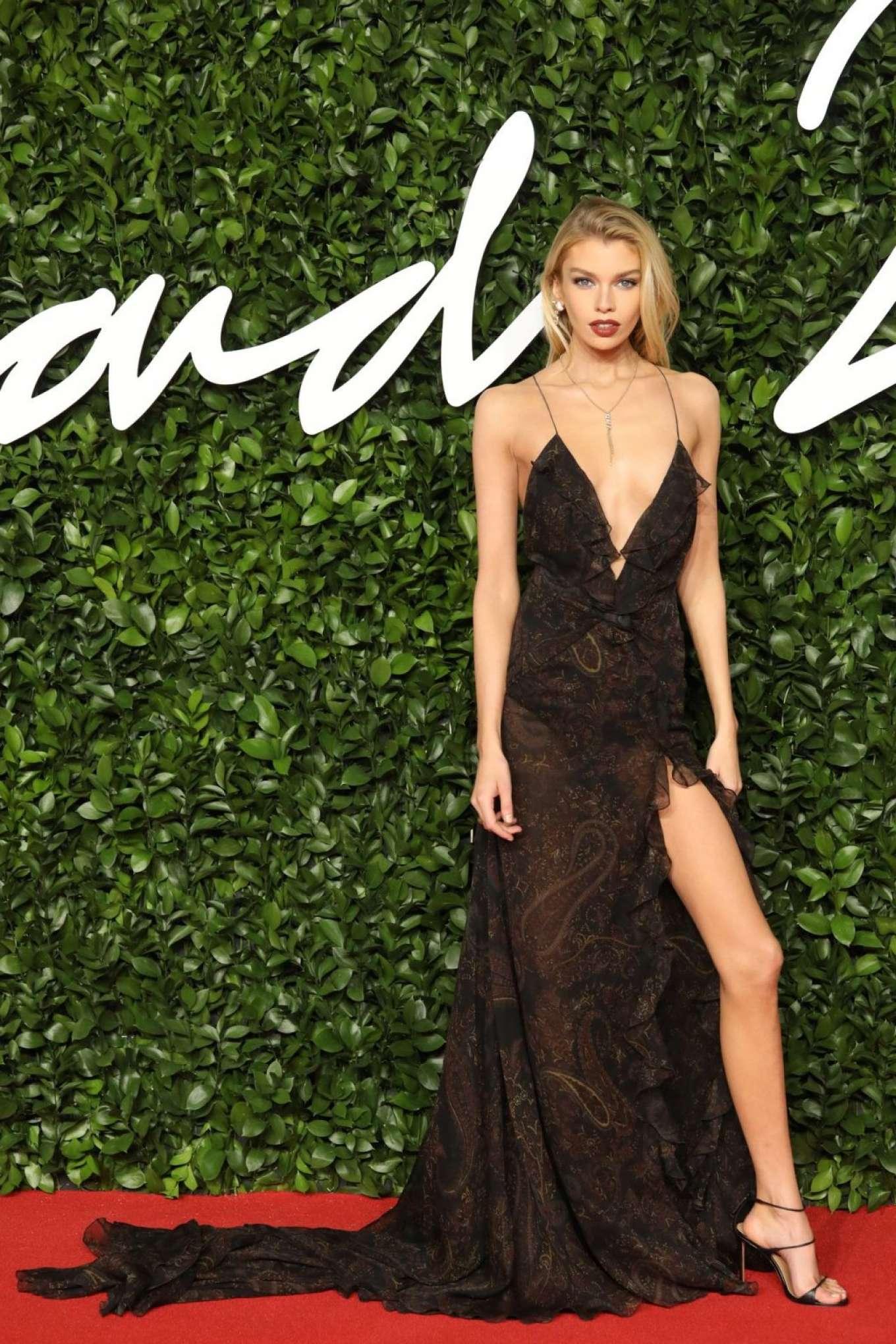 Stella Maxwell 2019 : Stella Maxwell – Fashion Awards 2019 in London-07