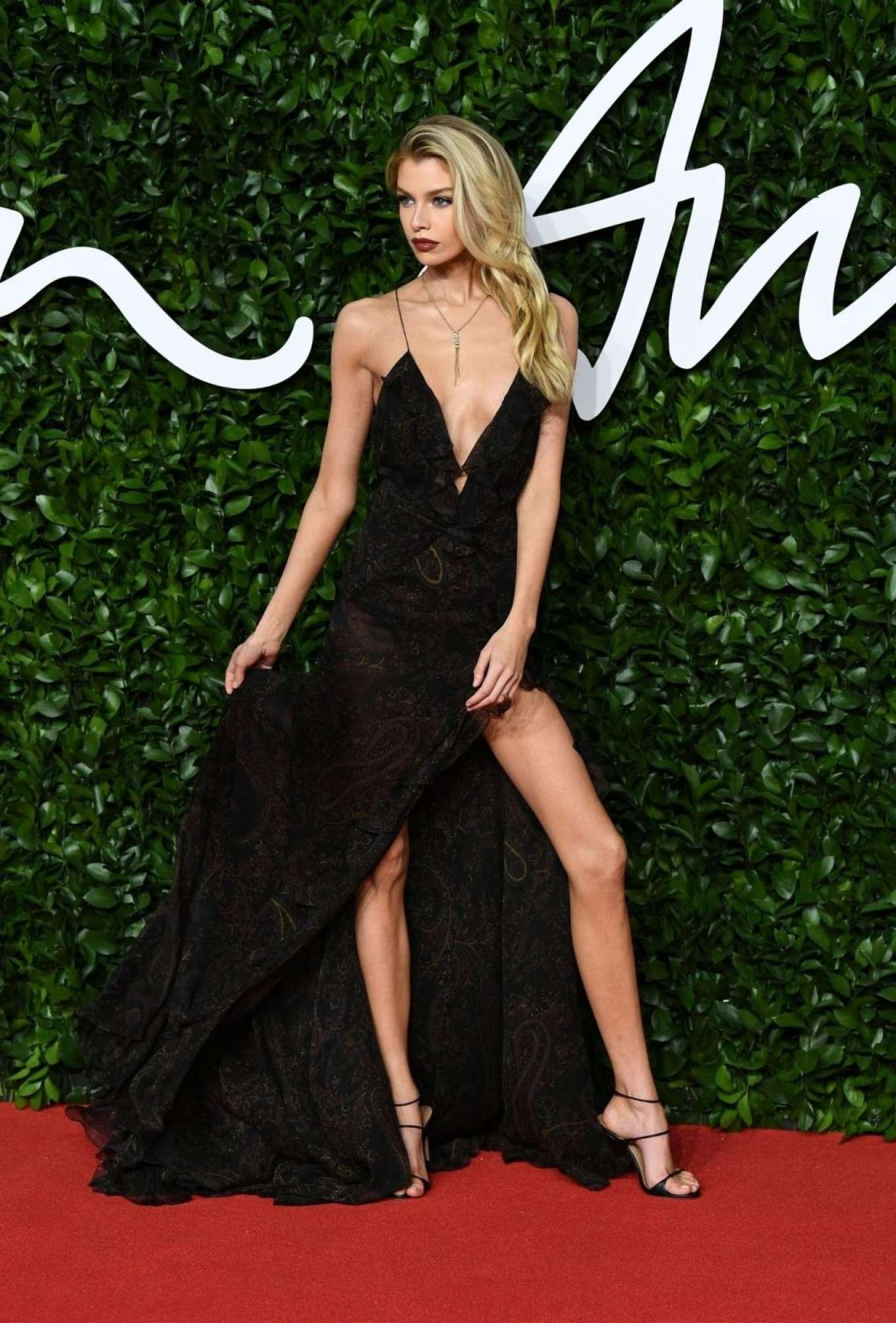Stella Maxwell 2019 : Stella Maxwell – Fashion Awards 2019 in London-12
