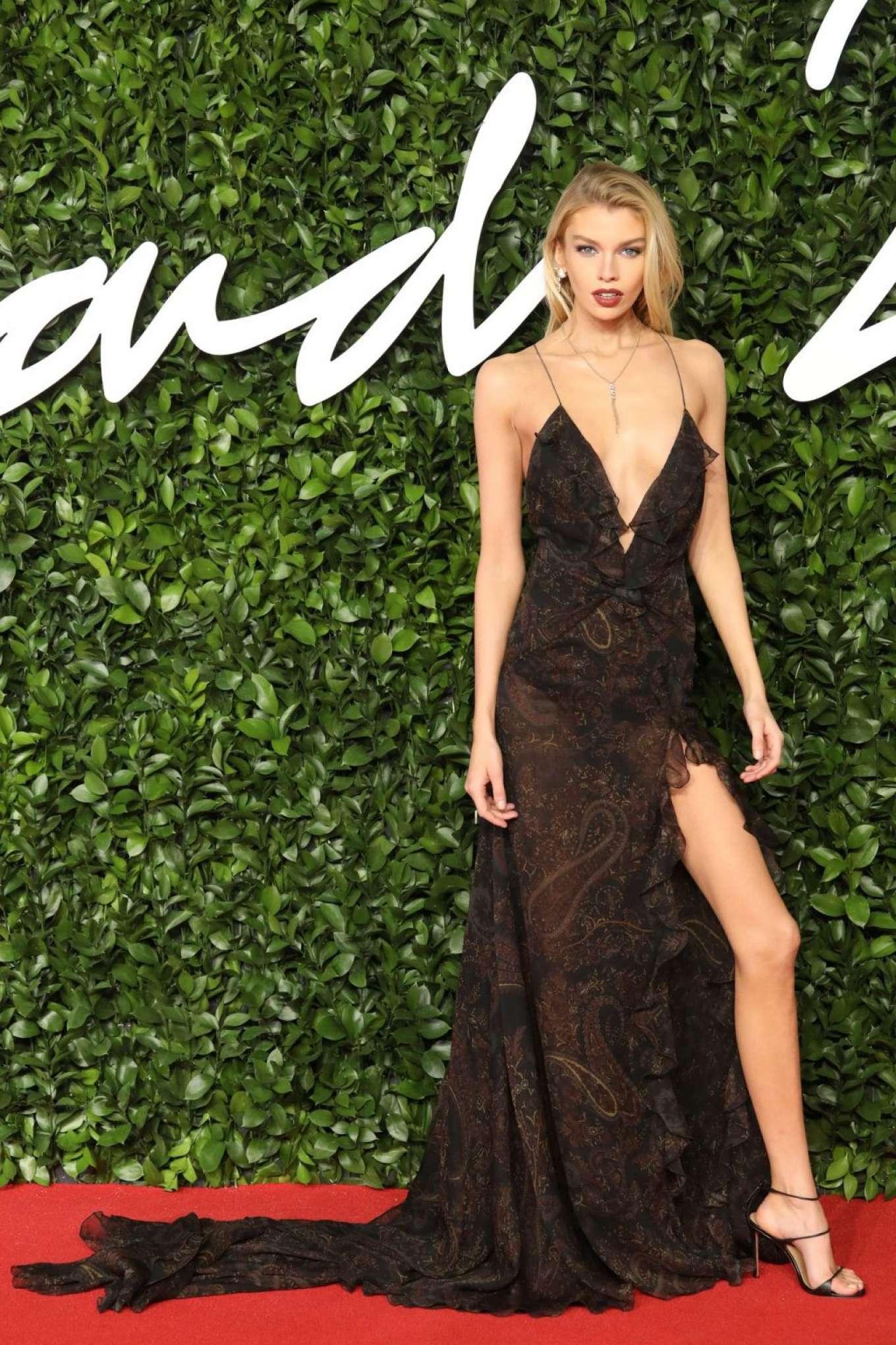 Stella Maxwell 2019 : Stella Maxwell – Fashion Awards 2019 in London-17