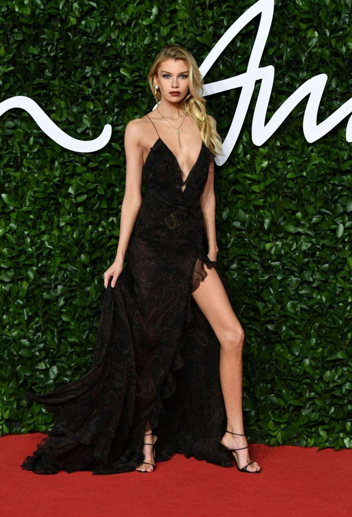 Stella Maxwell 2019 : Stella Maxwell – Fashion Awards 2019 in London-18