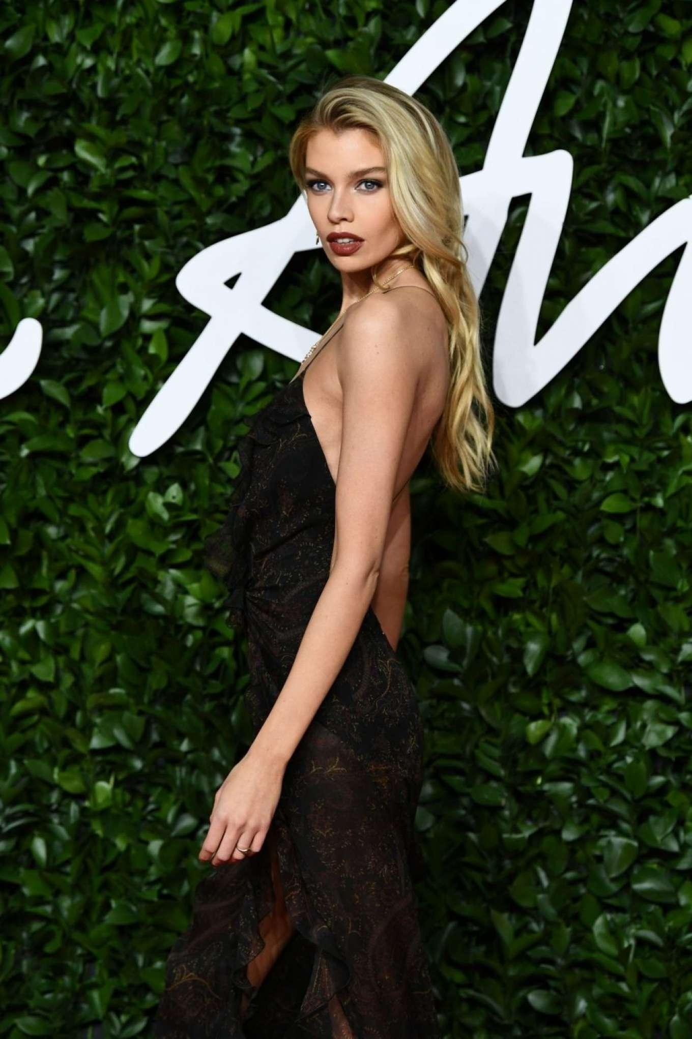 Stella Maxwell 2019 : Stella Maxwell – Fashion Awards 2019 in London-25