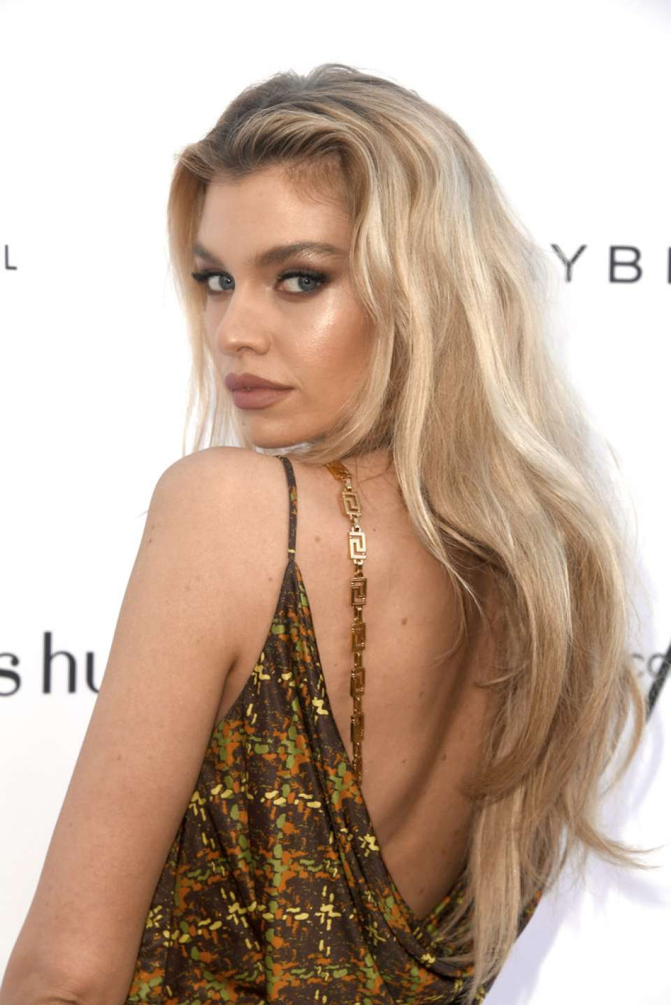 Stella Maxwell 2019 : Stella Maxwell: Daily Front Row Fashion Awards 2019 -01