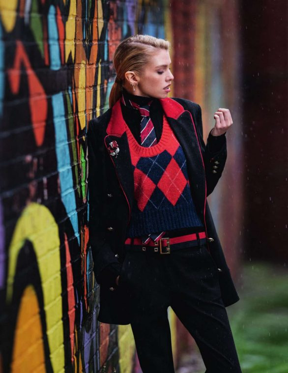 Stella Maxwell - Elle Italy Magazine (October 2019)