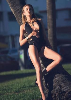 Stella Maxwell - Hot Insatgram Photos