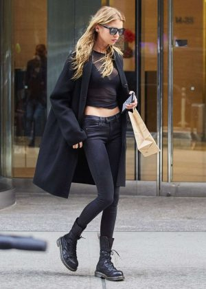 Stella Maxwell in Black Skinny Jeans Out in New York