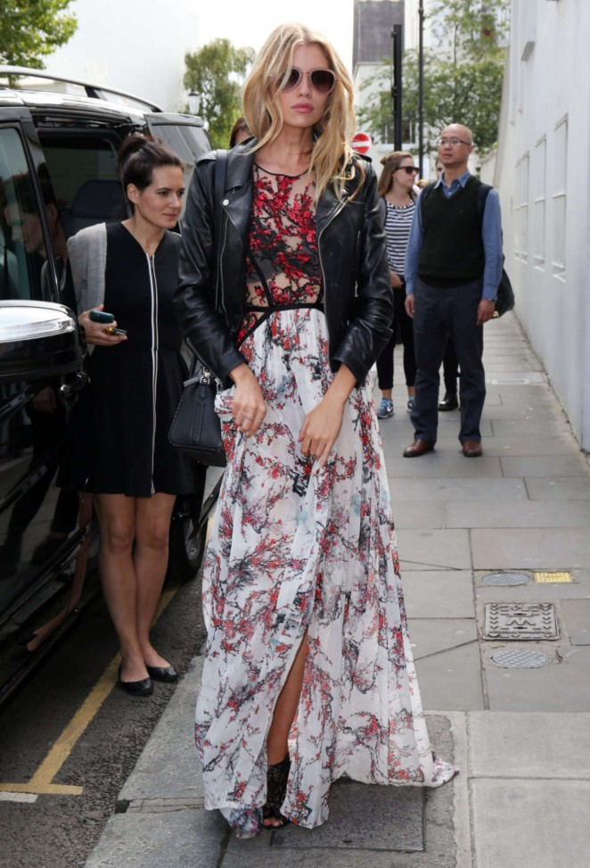 Stella Maxwell: Leaving Fortnum and Mason -06