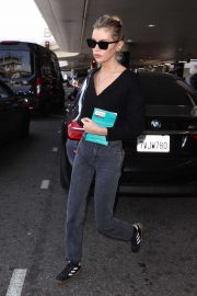 Stella Maxwell - Seen at LAX Aiport in Los Angeles