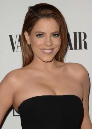 Stephanie Bauer - Vanity Fair L'Oreal Paris and Hailee Steinfeld host DJ Night in West Hollywood