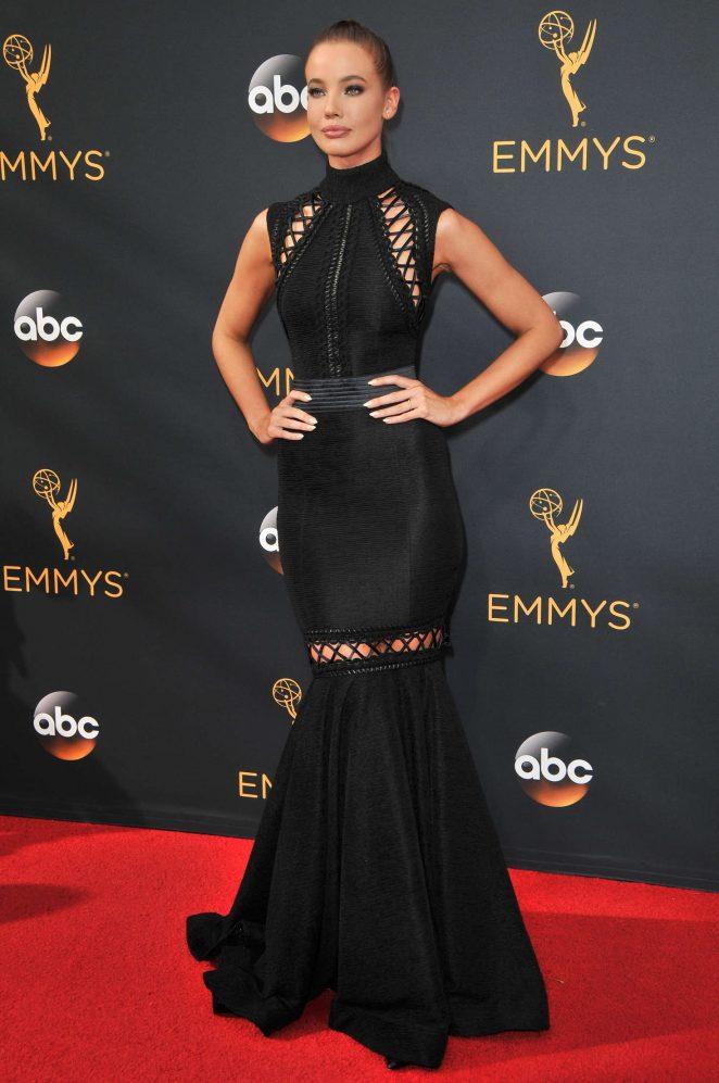 Stephanie Corneliussen - 2016 Emmy Awards in Los Angeles